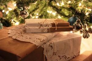 presents-under-tree1