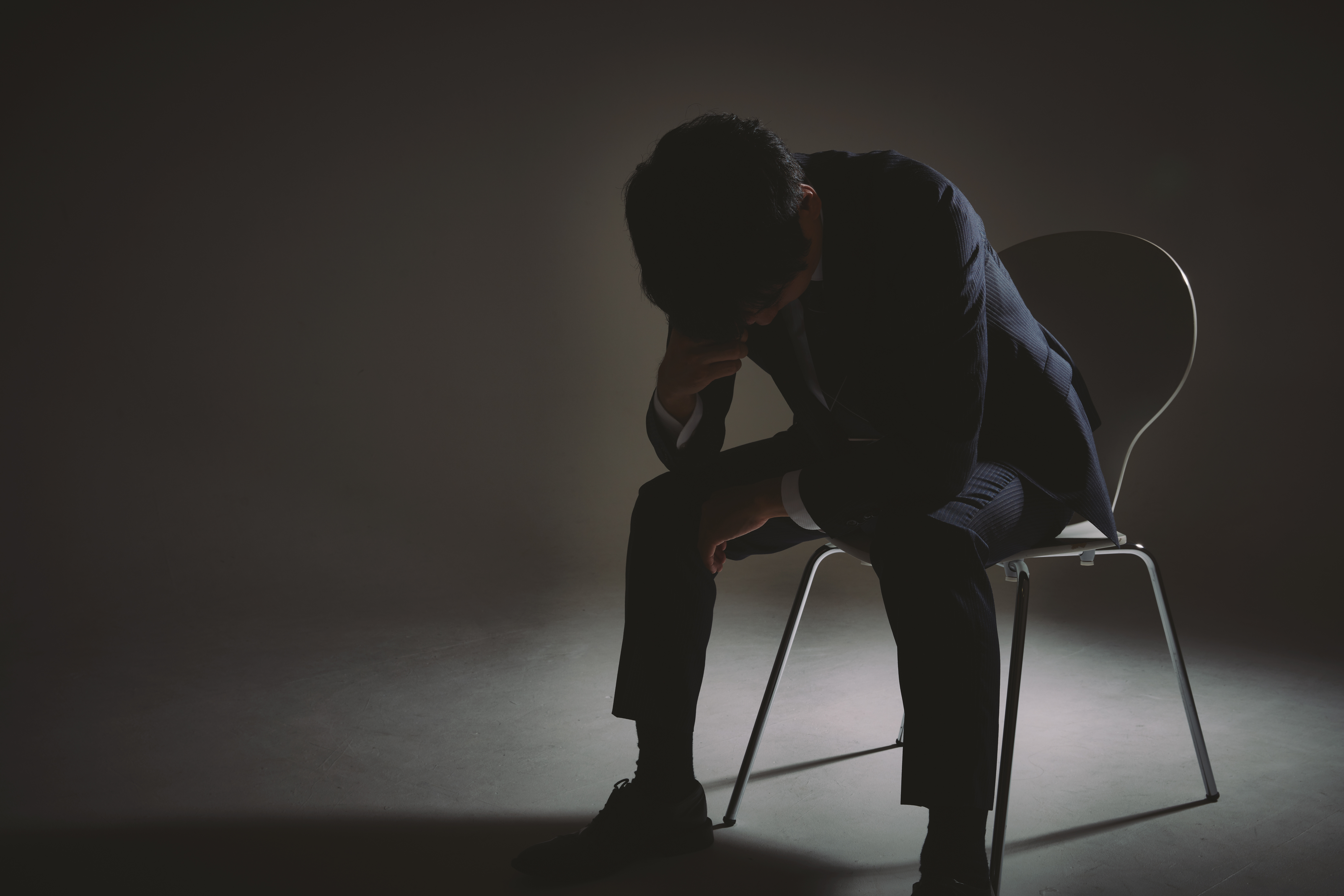 The Emotional Effects of a Collapse: How It Feels to be a Survivor